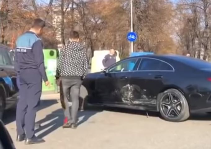 Selly, implicat într-un accident cu bolidul de 70.000 de euro pe care abia îl cumpărase