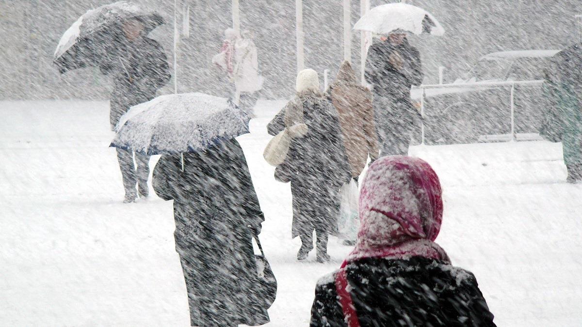 Se dezlănțuie iarna! ANM a emis alertă de viscol și ninsori puternice! Vreme severă până sâmbătă