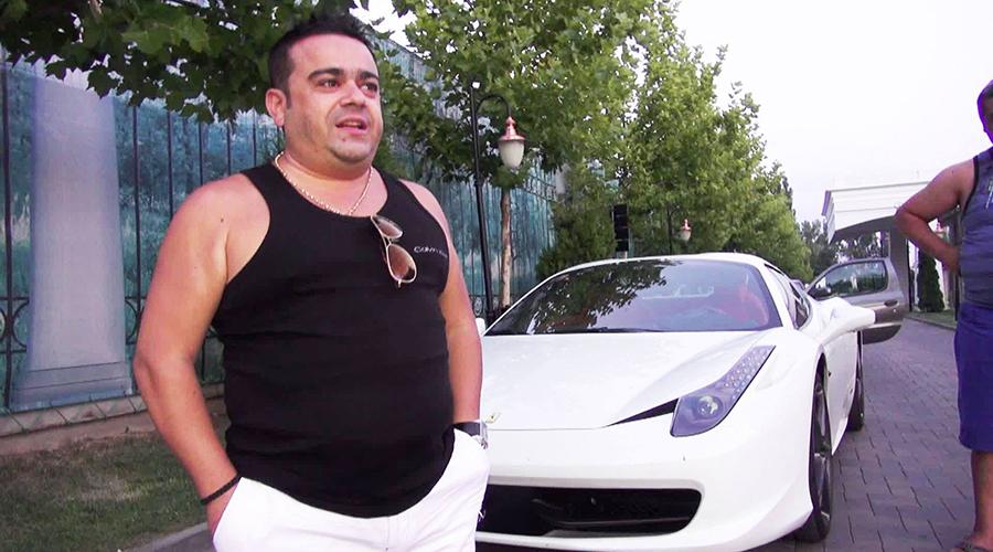 ADRIAN MINUNE ȘI-A CUMPĂRAT UN LAMBORGHINI DE 400.000 DE EURO DE CRĂCIUN
