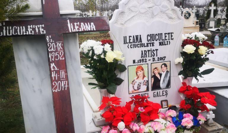 Cornel Galeş a fost înmormântat lângă Ileana Ciuculete. Iubita Vivi, sfâşiată de durere lângă groapă. Foto: