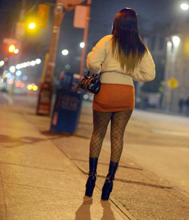 ,,Eram de gardă la Urgențe când, într-o noapte, la mine a venit o prostituată tânără și mi-a întins un bilețel.