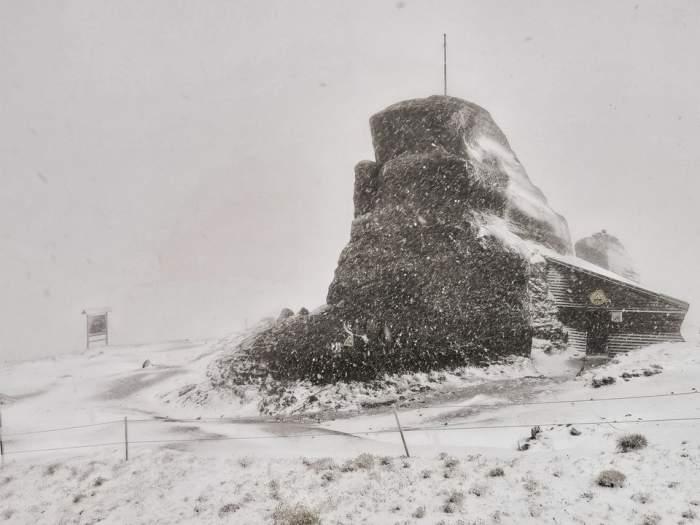 A venit prima zăpadă! Locul din România unde a nins și s-au înregistrat -6 grade / VIDEO