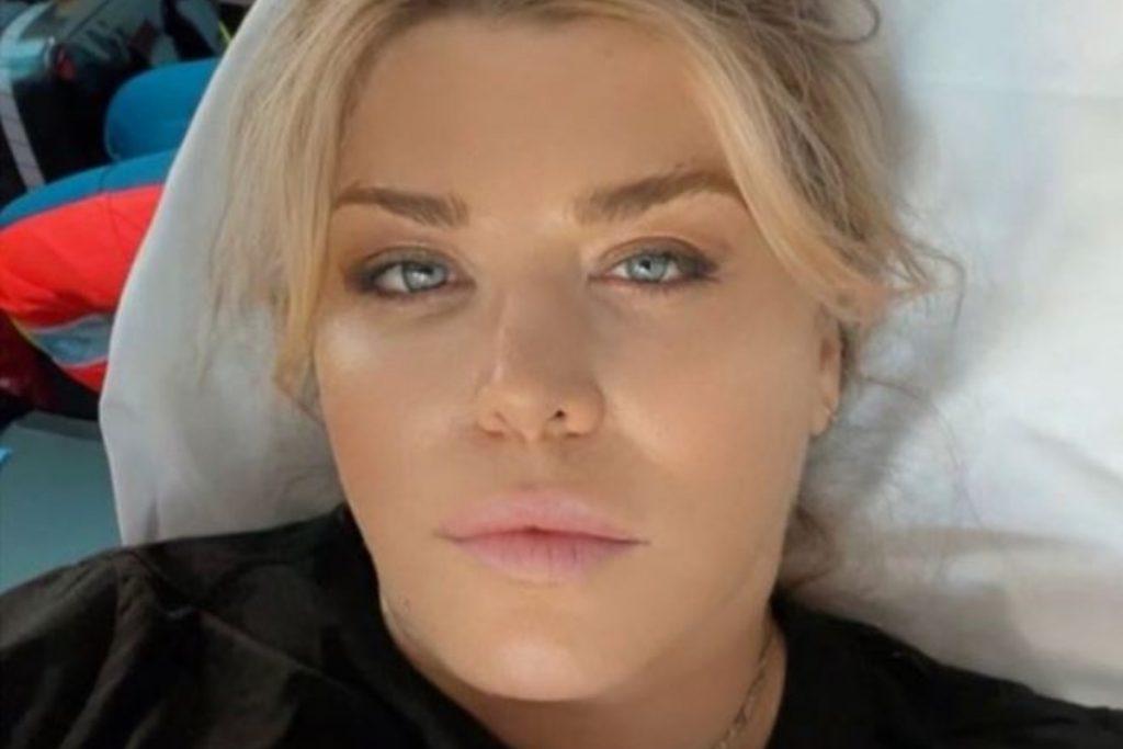 Loredana Groza a ajuns pe perfuzii. Mesajul artistei de pe patul de spital 1